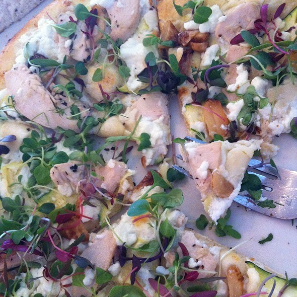 Chicken Chevre Pizza @ Adriatic Grill