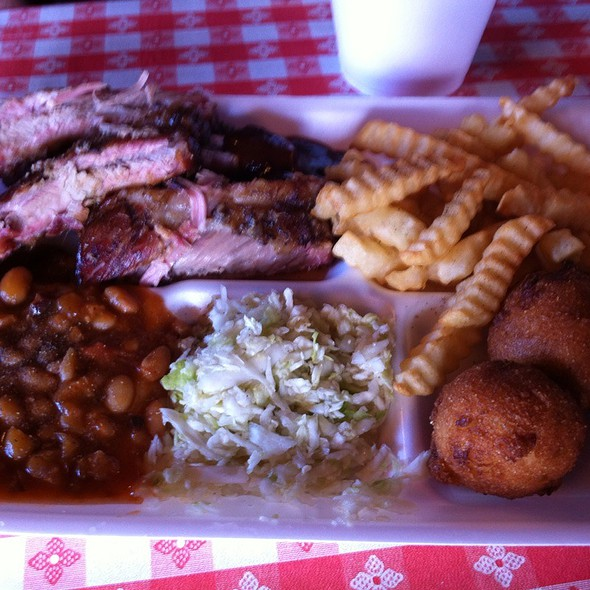Pork Rib Platter @ David Gibson Barbecue