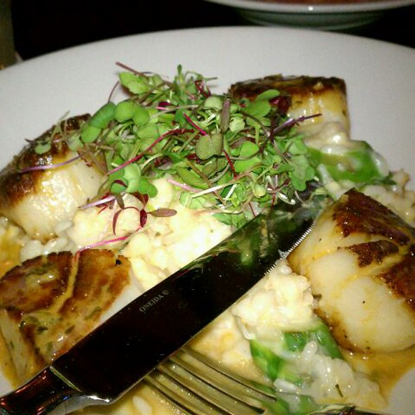 Jumbo Sea Scallops @ Harry Caray's