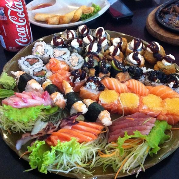 Rodizio Variado Com Camarao, Polvo E Ovas @ Yen Restaurante