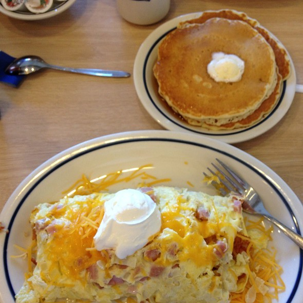 Country Omelette with Buttermilk pancakes @ International House Of Pancakes