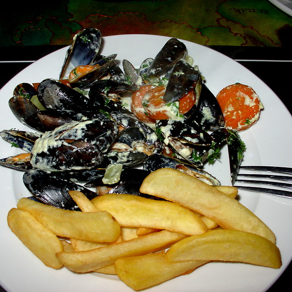 Mussels with French Fries @ Café de Oranjerie