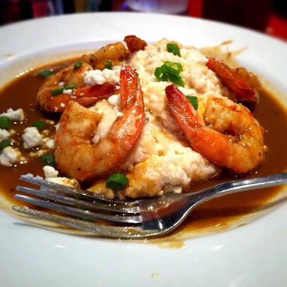 Barbeque Shrimp And Garlic Cheese Grits @ Maddie's Place