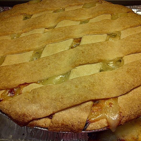 Rotisserie Chicken Pot Pie @ Costco #482