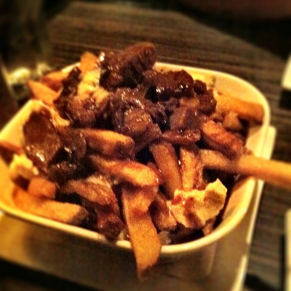 Prime Rib Poutine With Gorgonzola @ Bar Wellington