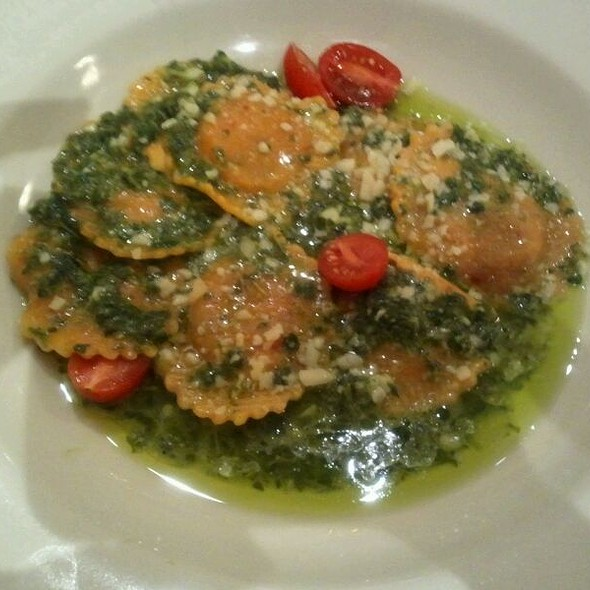 Sweet Onion And Chard Ravioli With Arugula Pesto @ Haute Stuff