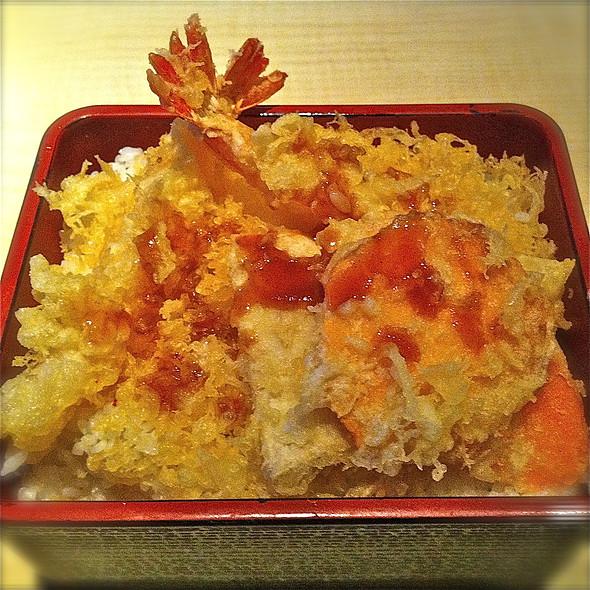 Ten Don @ Sushi Tei Holland Villiage