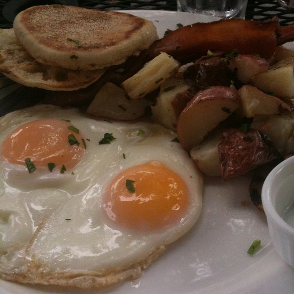 All American Breakfast @ Zanzibar Cafe