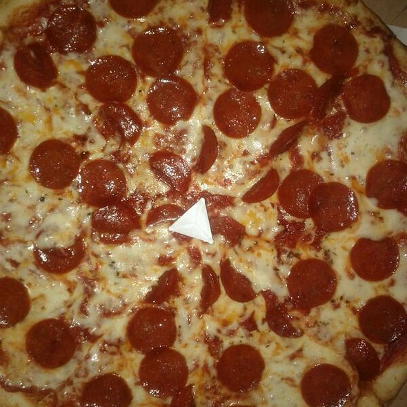 NY Style Pizza @ Deliziosa Pizzeria