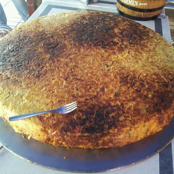 Tapa de Tortilla Gigante @ La Calzada