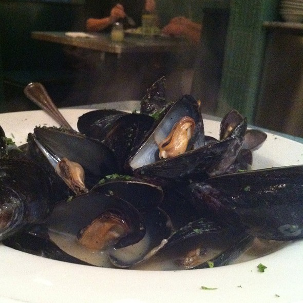 Mussels in White Wine Sauce @ Nick's Pizza