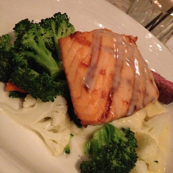 Salmon Special - TAPS Fish House & Brewery - Dos Lagos, Corona, CA