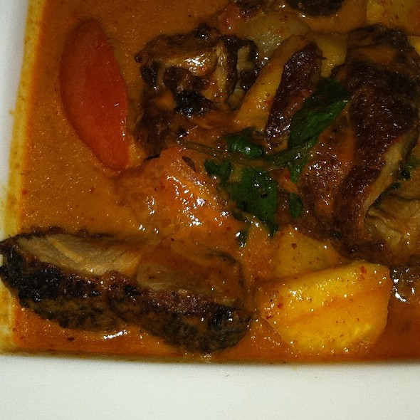 Roast Duck Red Curry @ Duangrat's Thai Restaurant