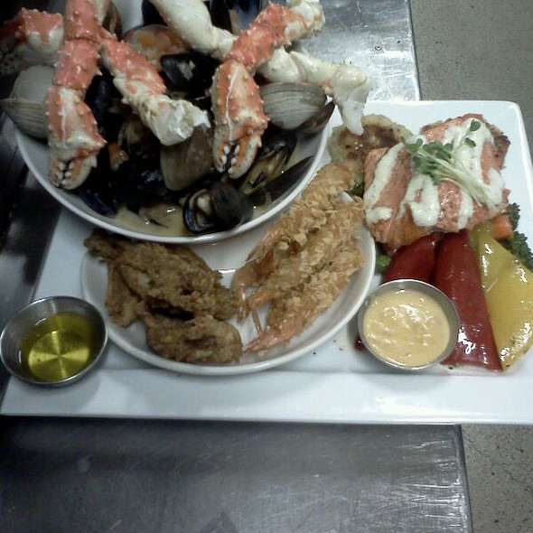 Seafood Platter For 2 @ Wharfside Seafood Grille
