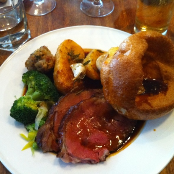 Beef Sunday Roast @ Bacchus Pub and Kitchen