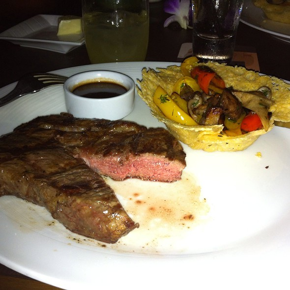 Boneless Roast Prime Ribs Of Beef @ Ferraro's Bar e Ristorante