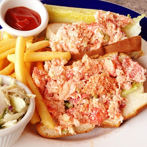 Maine Lobster Roll - Blue Pointe Oyster Bar & Seafood Grill - Ft. Myers, Fort Myers, FL