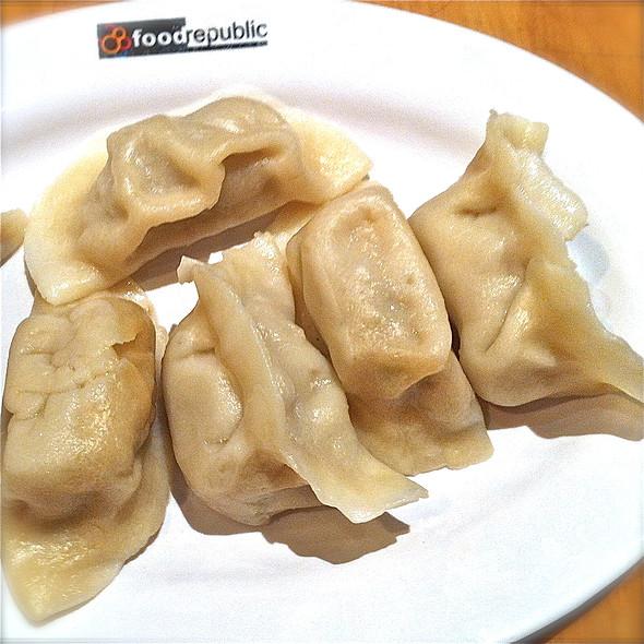 Steamed Dumplings @ Food Republic