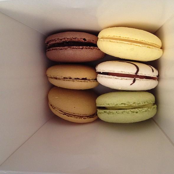 Macarons @ Bobbette & Belle