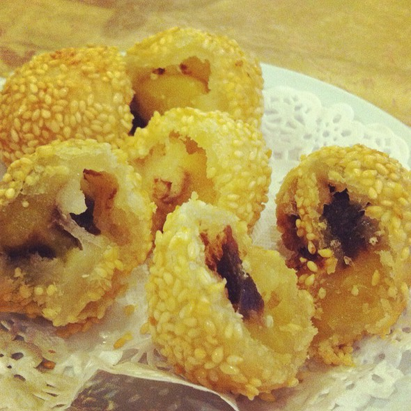 Deep Fried Sesame Balls With Lotus And Red Bean Filling @ Red Star Restaurant Pte Ltd