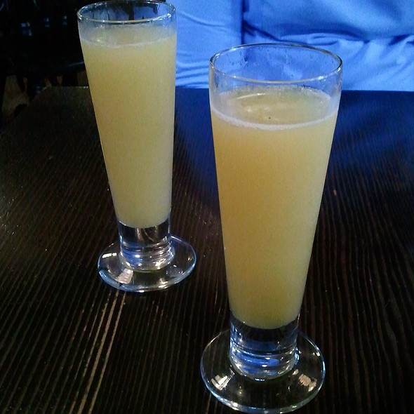 Mimosas @ Longman & Eagle