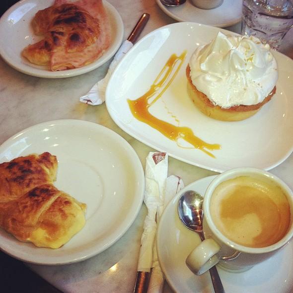Medialuna E Cafe Barista