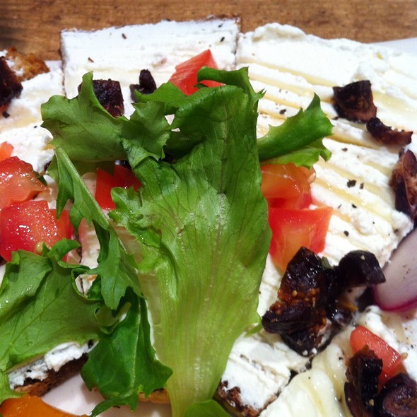 Fig And Ricotta Open Faced Sandwich @ Le Pain Quotidien