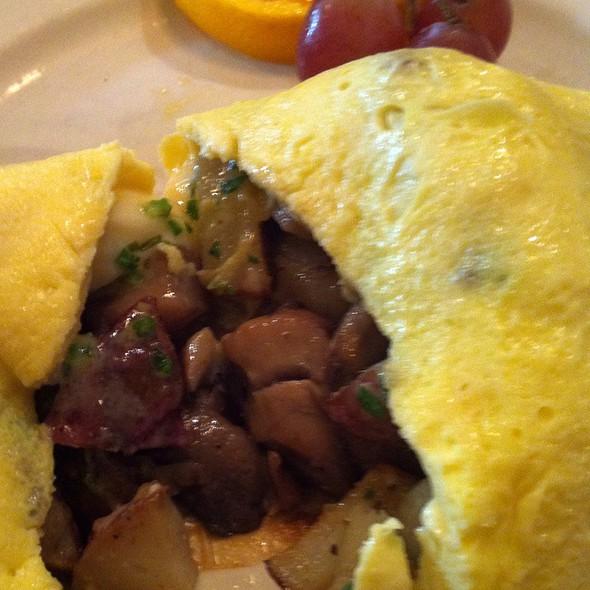 Mushroom Omelette @ Popover Cafe