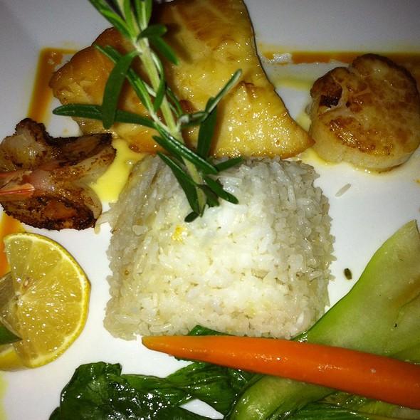 Sea Bass, Scallop And Prawn Trio - Thistle Lodge Restaurant, Sanibel, FL