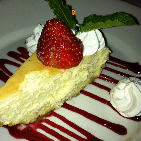 Key Lime Cheesecake - Thistle Lodge Restaurant, Sanibel, FL