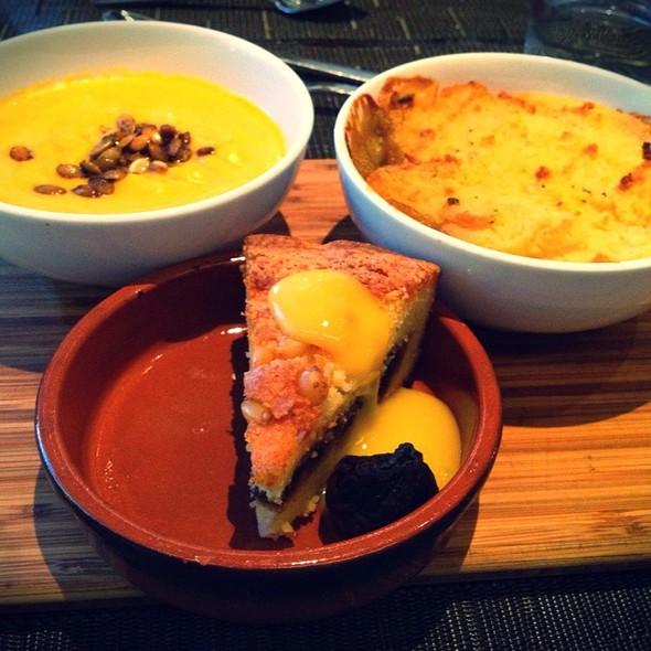 Tonnemaker's Squash Soup, Confit Chicken Sheperd's Pie & Fig Torte - Urbane, Seattle, WA
