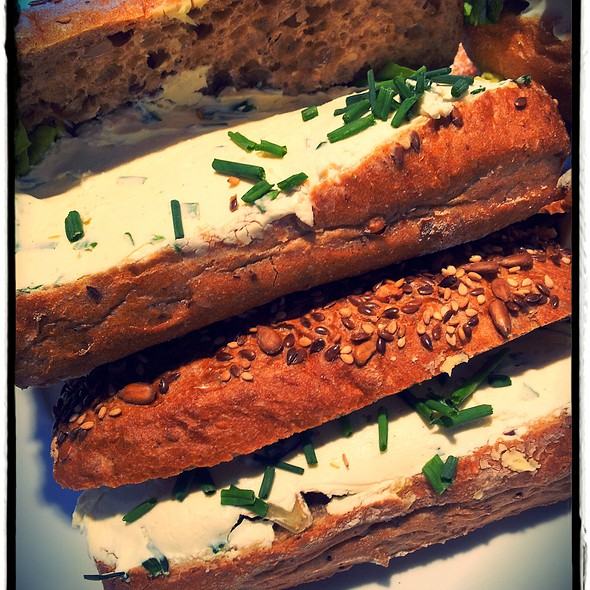 Ciabatta Roomkaas met Bieslook/ Cream Cheese Ciabatta with chive @ La Place, Arnhem - Selexyz