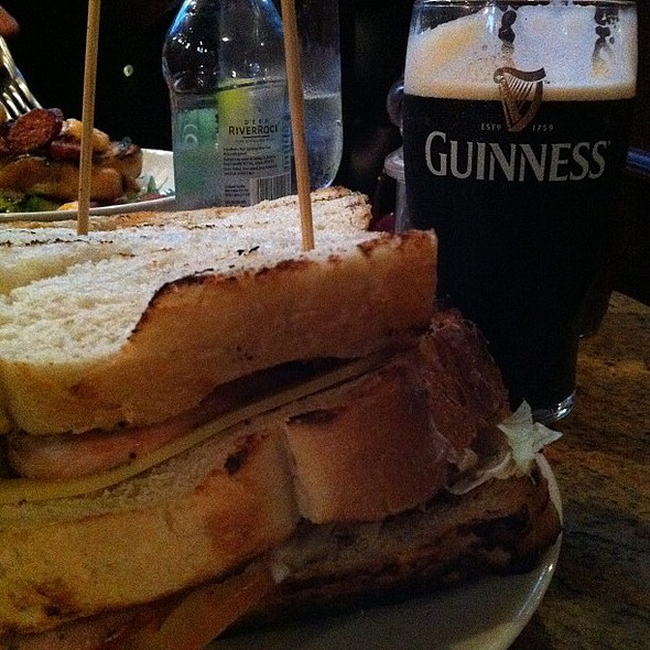 having a club sandwich and a pint of guinness @ The Garrick Bar