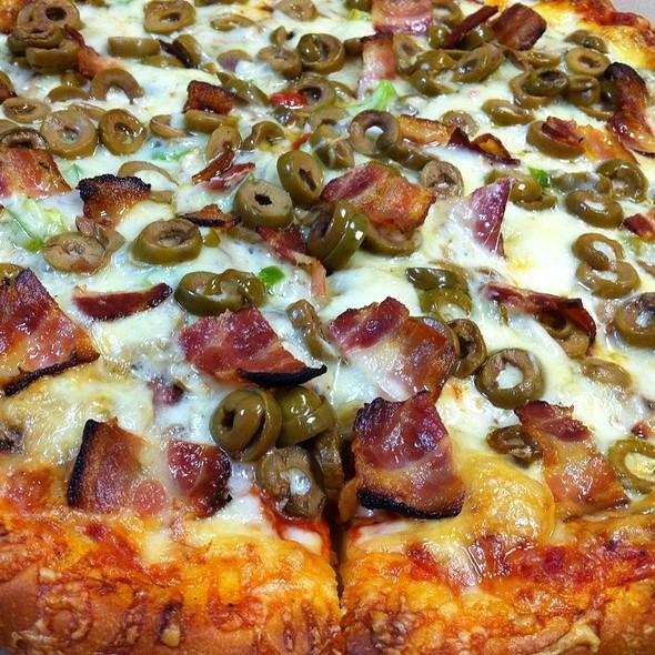 Pizza @ Uncle Louis' Restaurant & Pizza
