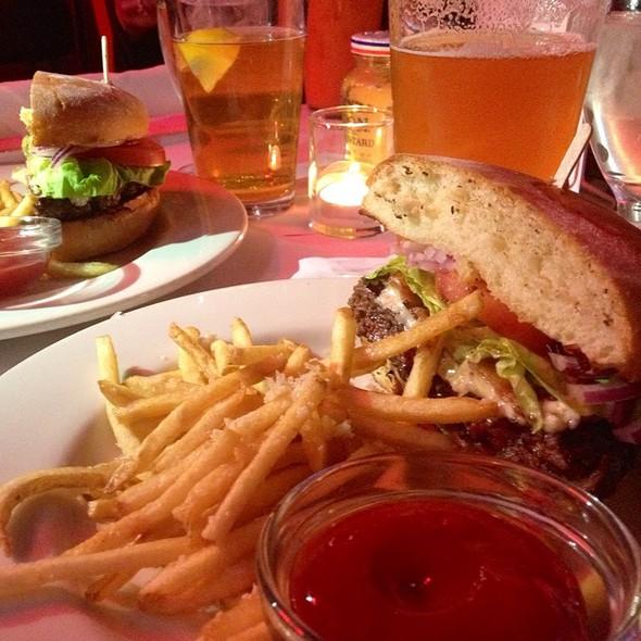 Bacon Blue Cheese Burger @ Calistoga Inn Restaurant & Brewery
