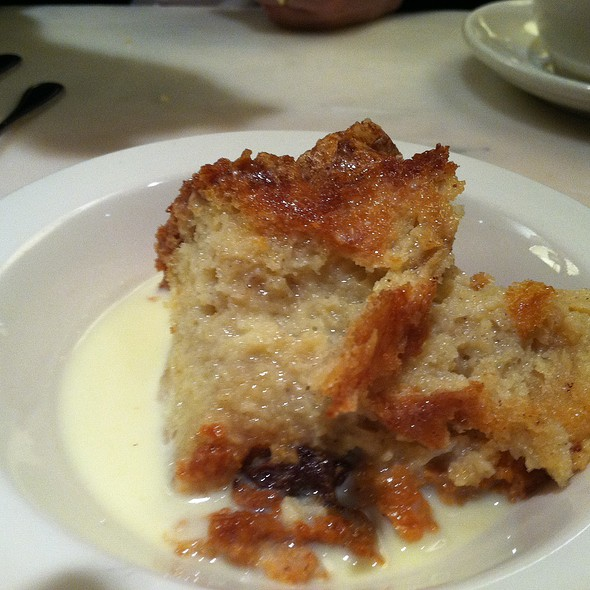 Bread pudding with raisins and Irish whiskey sauce