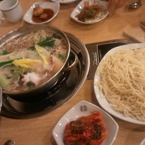 버섯국수전골 Mushroom Noodle Hot Pot @ 풍성한