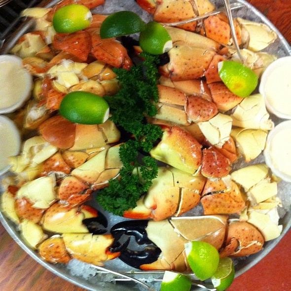 Fresh Florida Stone Crab Platter @ The Oceanaire Seafood Room