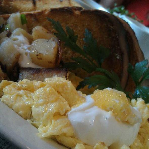 Breakfast at Tiffany's @ Alexis Baking Co.