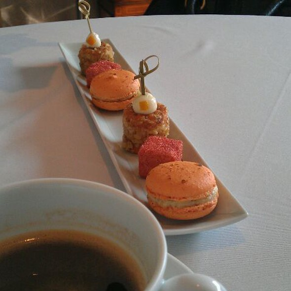 coffee and desert @ Le Mout