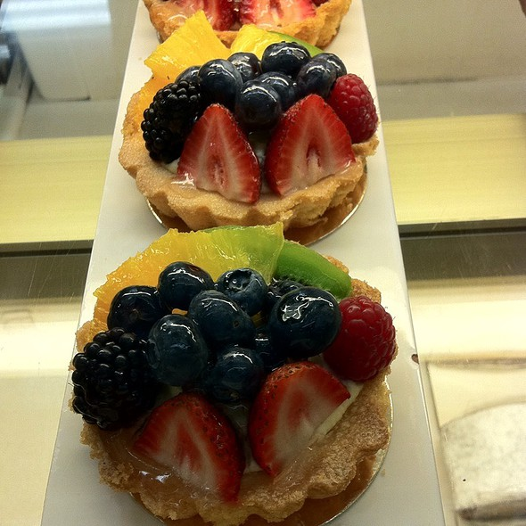 Fruit Tart @ Honolulu Coffee Co