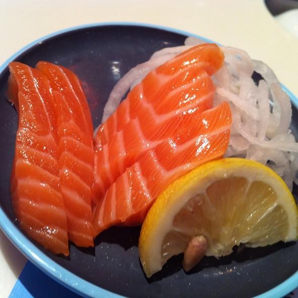 Salmon Sashimi @ Yo! Sushi