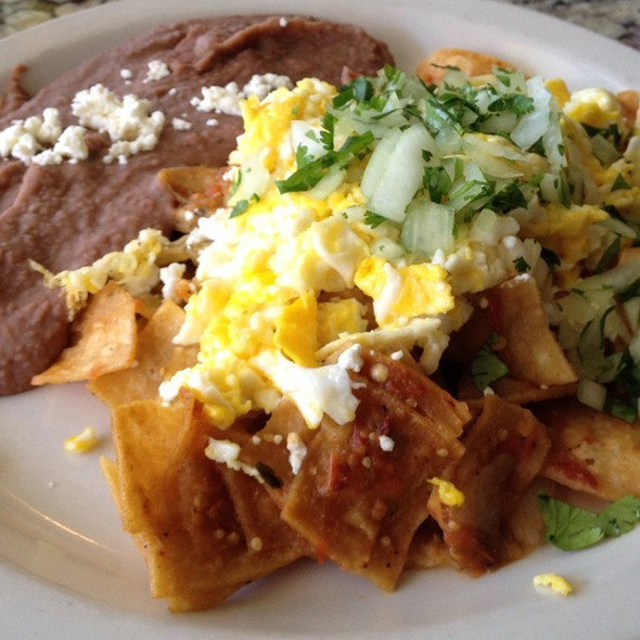 Chilaquiles @ Curra's Grill