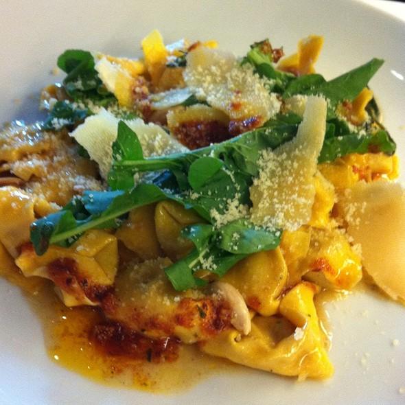 Tortelli De Abobora Na Manteiga, Salvia E Amendoas Torradas @ Italy