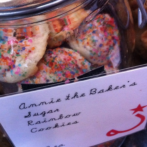 Suga Over The Rainbow Cookies @ Ritual Coffee Roasters