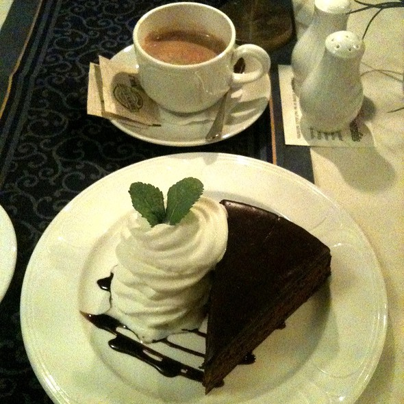 Sacher Torte @ restaurace Monarchie