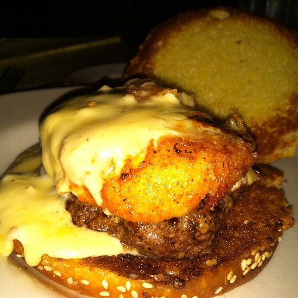 Macaroni and Cheese Burger @ The Cheesecake Factory