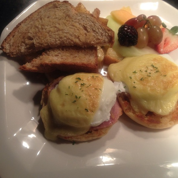 Classic Eggs Benedict @ Levilla Restaurant