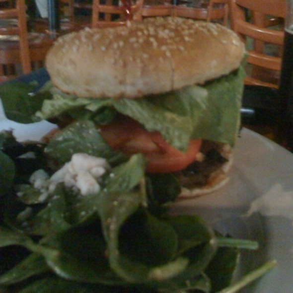 Auburn Burger @ Auburn Saloon