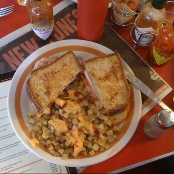 Monte Cristo Sandwich @ Galaxie Diner
